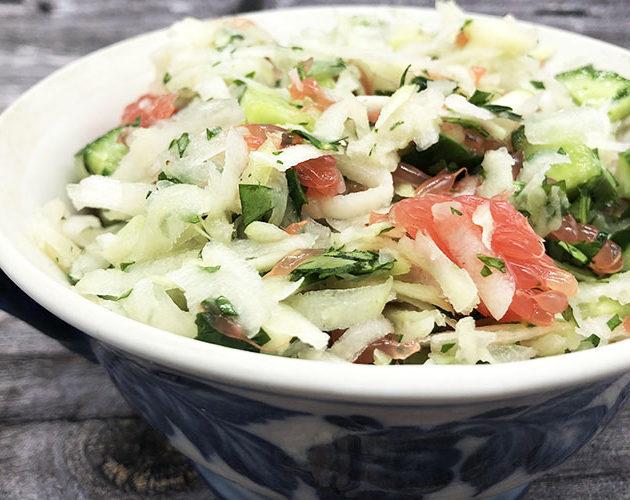 Очень простой салат с кольраби (или дайконом)