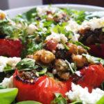 Перцы, фаршированные нутом, фетой и зеленью